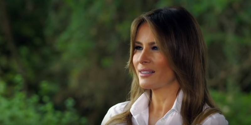 """Melania Trump Says She's """"The Most Bullied Person In The World,"""" But Her Body Language Tells A Different StoryMelania Trump Says She's """"The Most Bullied Person In The World,"""" But Her Body Language Tells A Different StoryMelania Trump Says She's """"The Most Bullied Person In The World,"""" But Her Body Language Tells A Different Story"""