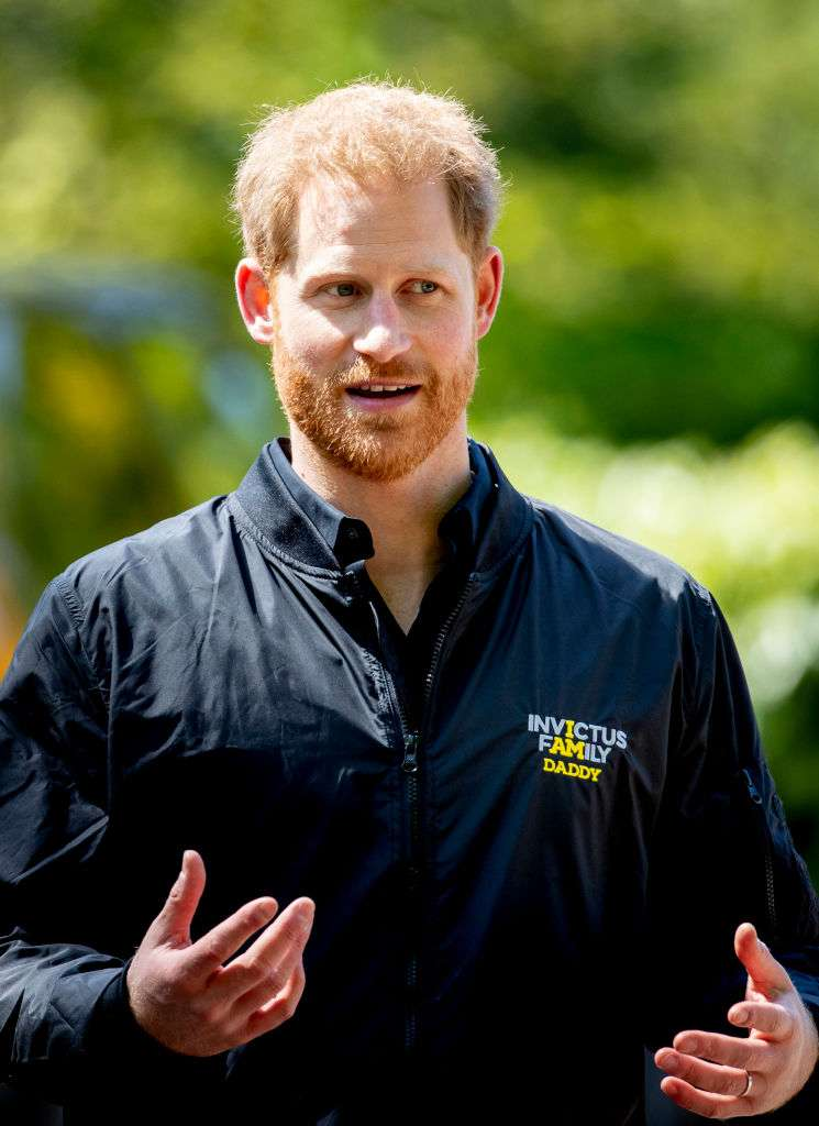 Prince Harry Appears In Public In An Old Crumbled Suit And Provokes The Royal's Fans Indignation And ConcernPrince Harry Appears In Public In An Old Crumbled Suit And Provokes The Royal's Fans Indignation And ConcernPrince Harry Appears In Public In An Old Crumbled Suit And Provokes The Royal's Fans Indignation And Concern