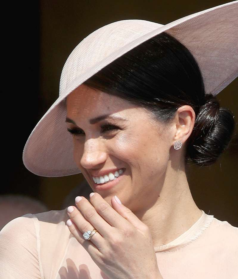 "Why Meghan Markle ""Flirts"" With The Public And Even Shows Her Tongue! Expert Shares Her Opinion"