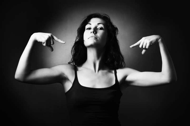 Fascinantes et intimidantes : les femmes avec le plus de force de caractère selon l'horoscope