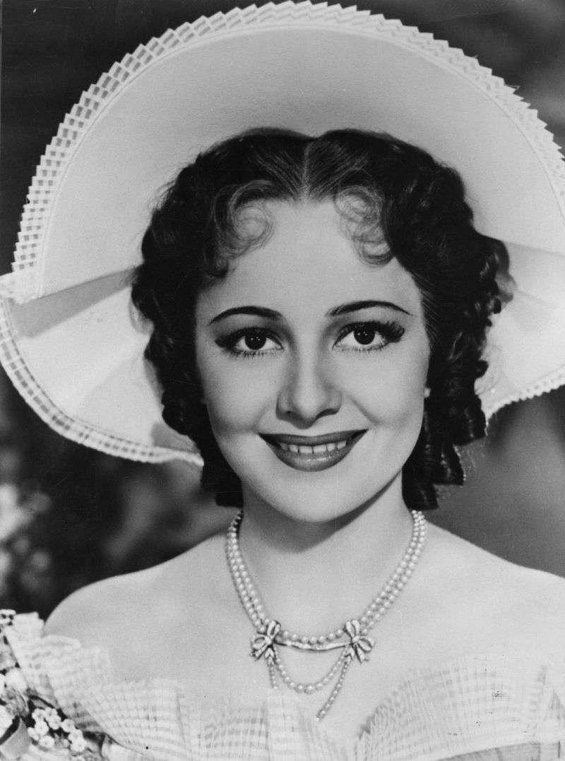 Olivia De Havilland a arrêté de travailler pendant 10 ans pour s'occuper de son fils malade et de son mari