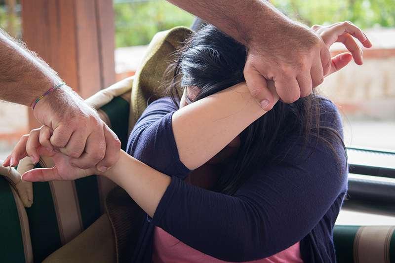 Pode acontecer em qualquer casa. As estatísticas de violência doméstica nos mostram um panorama terrível