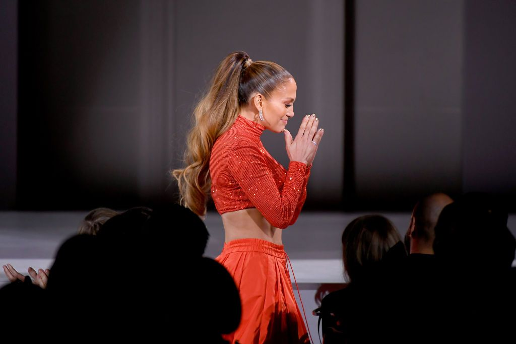 Jennifer Lopez Couldn't Control Tears While Giving Her Most Emotional Speech At CFDA Fashion AwardsJennifer Lopez Couldn't Control Tears While Giving Her Most Emotional Speech At CFDA Fashion Awards