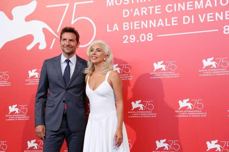 Eifersüchtig? Irina Shayk ließ bei den Oscars nicht zu, dass Bradley Cooper neben Lady Gaga sitzt
