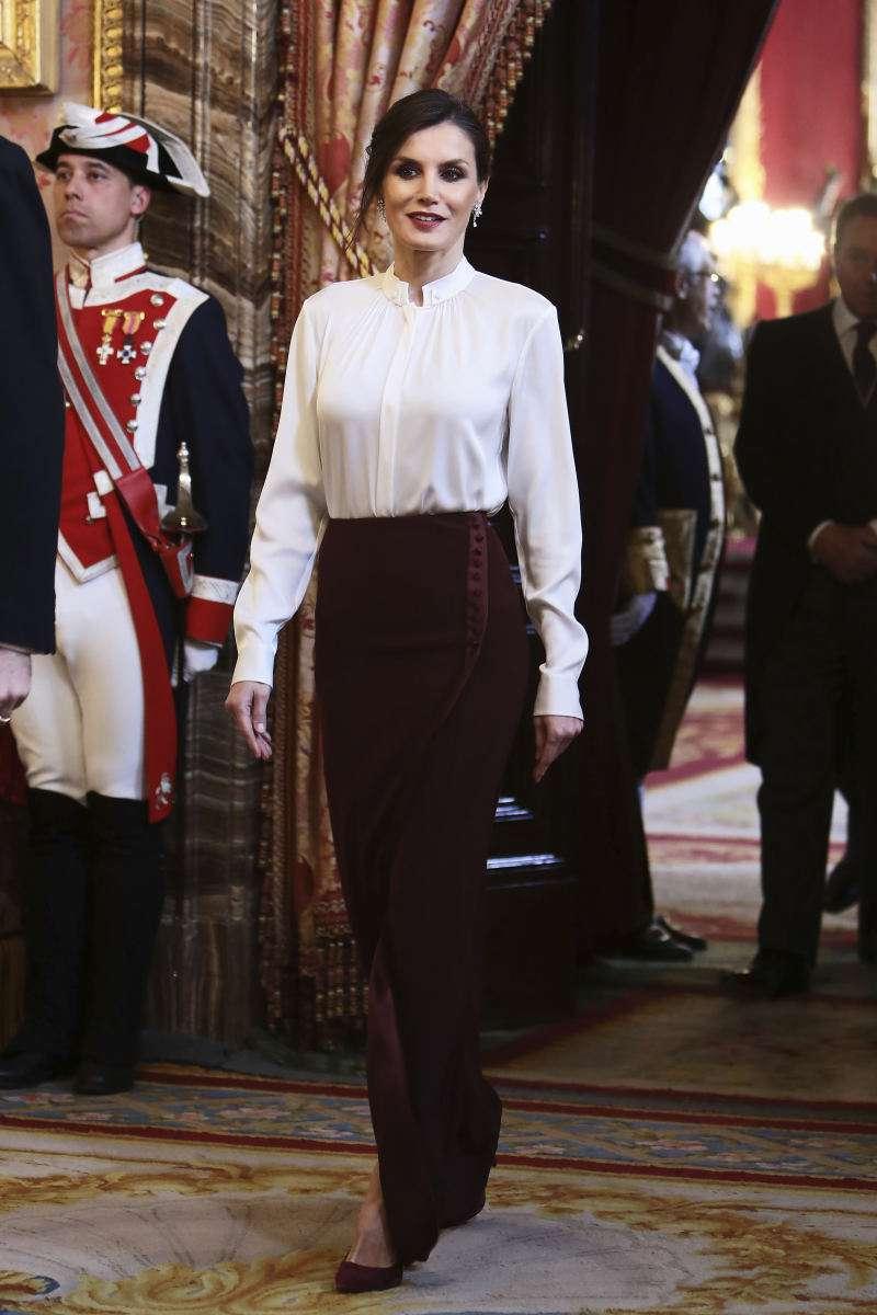 Las hijas de los reyes de España ya crecieron y se han adueñado del armario de la reina Letizia