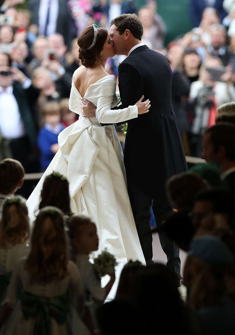 Uncomfy Chairs And Incredible Quietness: Lip Reader Reveals Every Naughty Word Said At Princess Eugenie's Wedding