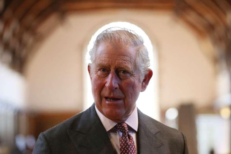 Königlicher Experte behauptet, Prinz Charles hätte eingreifen müssen, um den Streit zwischen Meghan Markle und Kate Middleton zu beenden
