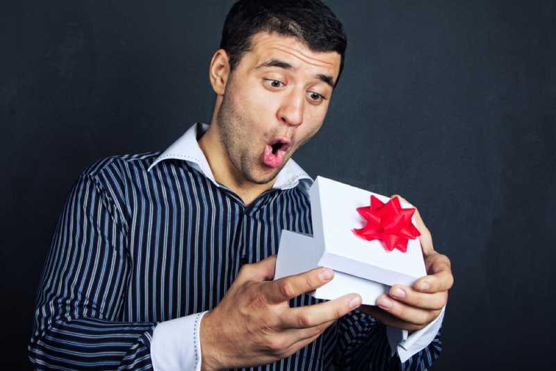 5 худших подарков для мужчин, о которых должна знать каждая женщина5 худших подарков для мужчин, о которых должна знать каждая женщина
