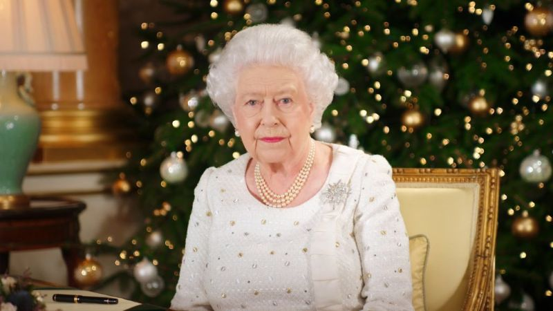 Christmas With Elizabeth II: The Queen's Evening Tradition Isn't To Everyone's Tastequeen elizabeth doesn't take down christmas decor