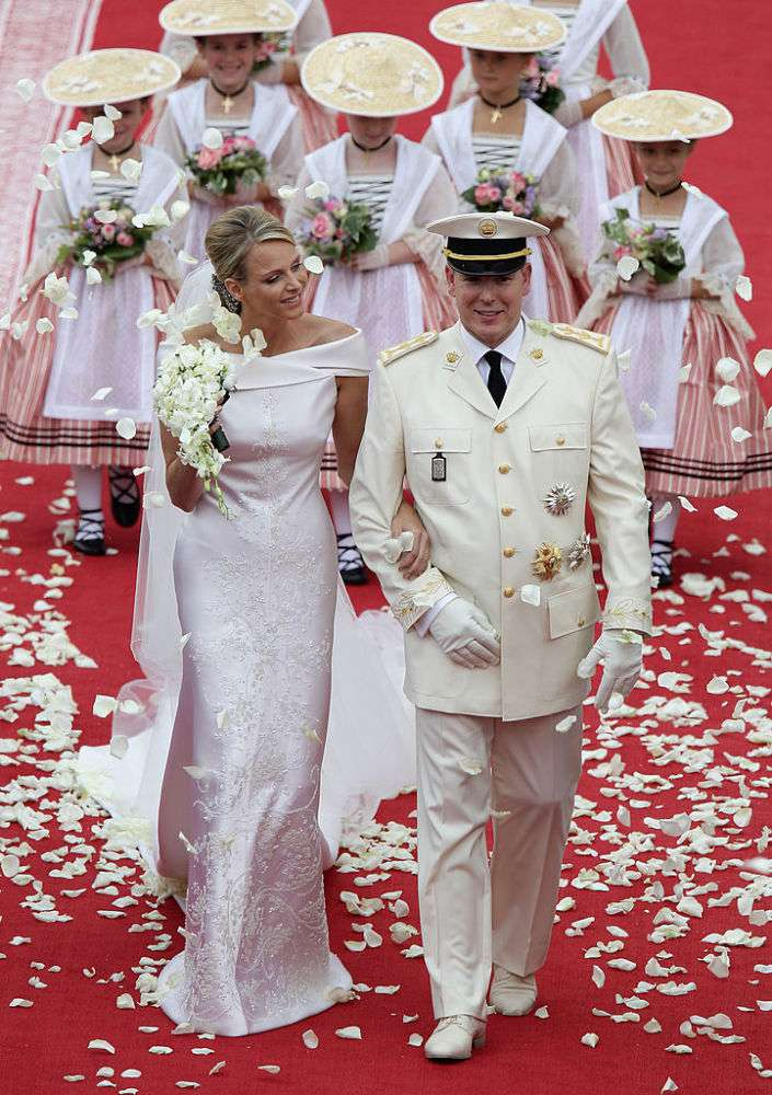 Royal Sophistication: Story Behind The Wedding Dress Of The Princess Of Monaco Which Took 3 Seamstresses More Than 7,000 HoursRoyal Sophistication: Story Behind The Wedding Dress Of The Princess Of Monaco Which Took 3 Seamstresses More Than 7,000 HoursRoyal Sophistication: Story Behind The Wedding Dress Of The Princess Of Monaco Which Took 3 Seamstresses More Than 7,000 HoursRoyal Sophistication: Story Behind The Wedding Dress Of The Princess Of Monaco Which Took 3 Seamstresses More Than 7,000 Hours