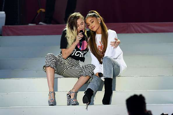 """""""I'm An Emoji Person So I Just Sent A Bunch Of Hearts"""": Miley Cyrus Reveals The Touching Message She Sent To Ariana Grande After Her Break-Up""""I'm An Emoji Person So I Just Sent A Bunch Of Hearts"""": Miley Cyrus Reveals The Touching Message She Sent To Ariana Grande After Her Break-Up""""I'm An Emoji Person So I Just Sent A Bunch Of Hearts"""": Miley Cyrus Reveals The Touching Message She Sent To Ariana Grande After Her Break-Up"""