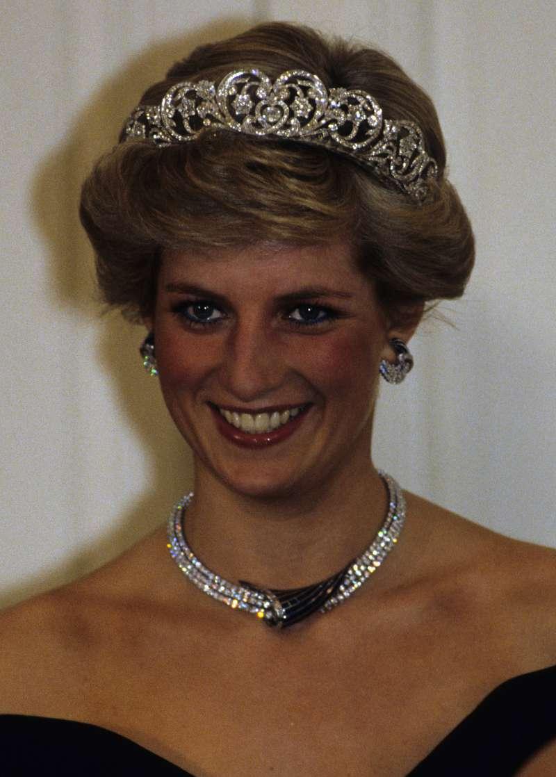 """Tan tranquila que se ve: Hace años, Kate Middleton le regaló a Harry un """"kit para cultivar una novia"""""""