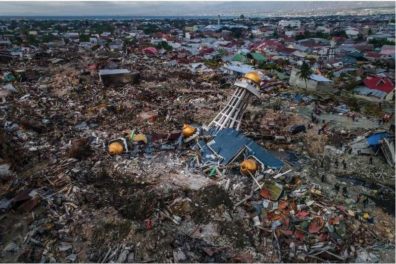 Triste desenlace: despide a sus compañeros de banda y a su esposa por tsunami en Indonesia