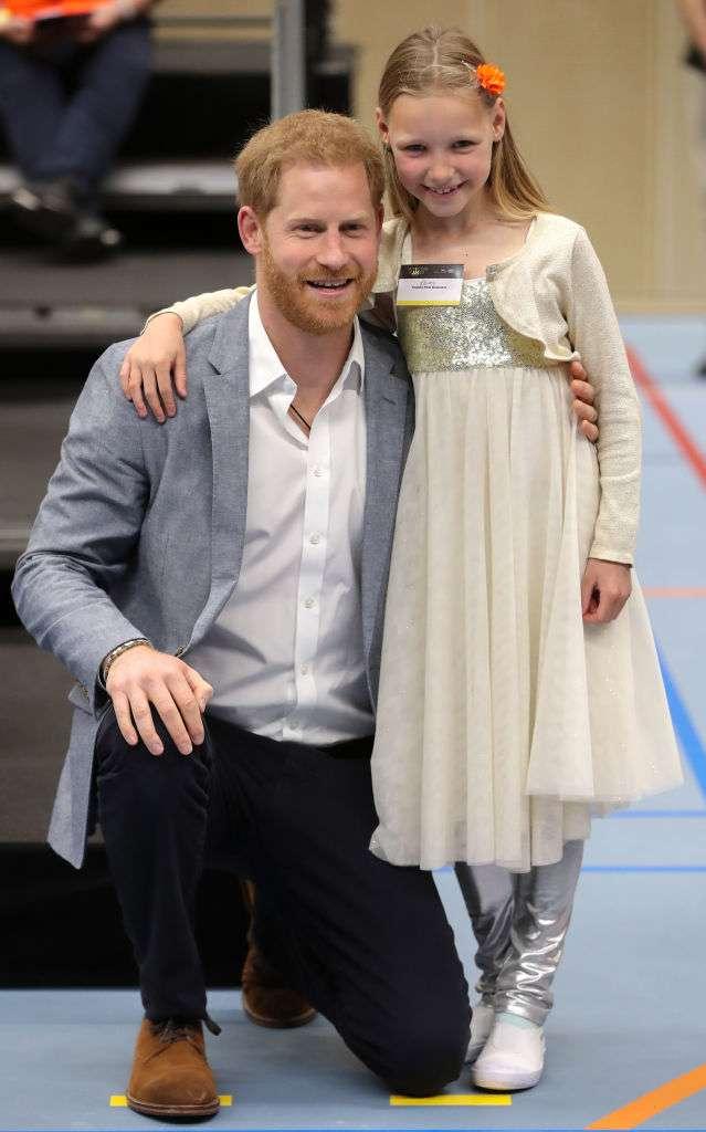Пока Меган меняет наряды, Гарри ходит в одном и том же: Сеть возмутила обувь принцаПока Меган меняет наряды, Гарри ходит в одном и том же: Сеть возмутила обувь принцаПока Меган меняет наряды, Гарри ходит в одном и том же: Сеть возмутила обувь принцаПока Меган меняет наряды, Гарри ходит в одном и том же: Сеть возмутила обувь принца