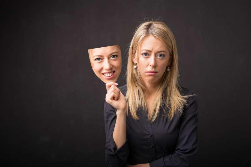 Les masques tombent : quels sont les signes du zodiaque les plus hypocrites