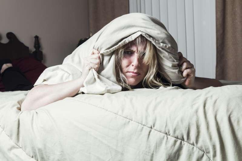 Nicht für Zimperliche! Warum es eine schlechte Idee ist, sich in Alltagskleidung aufs Bett zu setzen
