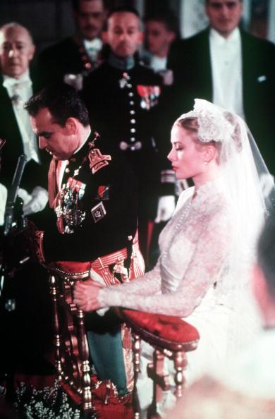 Scarpe Sposa Grace Kelly.E Stato Rivelato Il Segreto Delle Scarpe Che La Principessa Grace