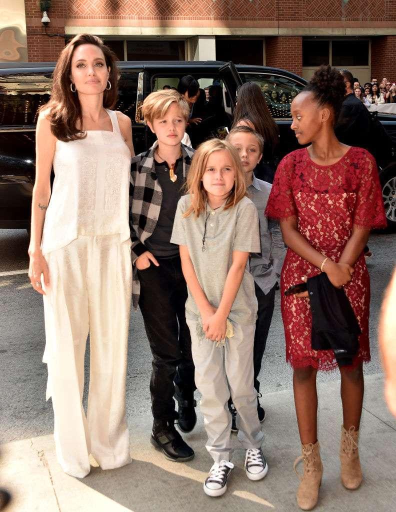 Shiloh dress pitt like a does boy jolie Angelina Jolie