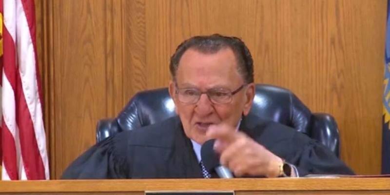 Llevan a juicio a anciano de 96 años por exceder la velocidad para salvarle la vida a su hijoLlevan a juicio a anciano de 96 años por exceder la velocidad para salvarle la vida a su hijoLlevan a juicio a anciano de 96 años por exceder la velocidad para salvarle la vida a su hijoLlevan a juicio a anciano de 96 años por exceder la velocidad para salvarle la vida a su hijoLlevan a juicio a anciano de 96 años por exceder la velocidad para salvarle la vida a su hijo