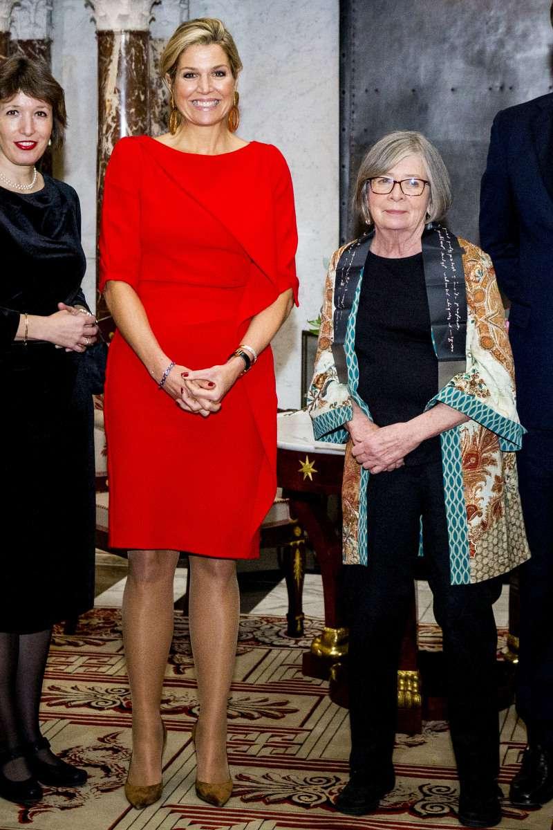 Не хуже Меган и Мелании! Стильные и яркие образы королевы Нидерландов