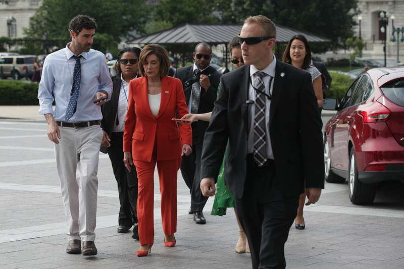 America's Power-Suit Boss Nancy Pelosi Goes Glamorous In An Elegant Khaki Outfit At The Meeting With Justin TrudeauAmerica's Power-Suit Boss Nancy Pelosi Goes Glamorous In An Elegant Khaki Outfit At The Meeting With Justin Trudeau