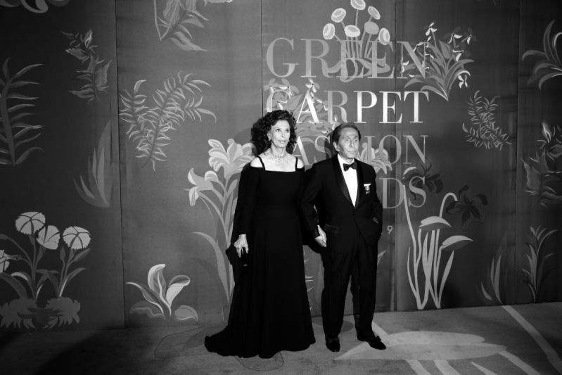 Simply Divine: 85-Year-Old Sophia Loren Goes All Out In Stunning Black Dress As She Receives Standing Ovation In MilanSimply Divine: 85-Year-Old Sophia Loren Goes All Out In Stunning Black Dress As She Receives Standing Ovation In MilanSimply Divine: 85-Year-Old Sophia Loren Goes All Out In Stunning Black Dress As She Receives Standing Ovation In MilanSimply Divine: 85-Year-Old Sophia Loren Goes All Out In Stunning Black Dress As She Receives Standing Ovation In Milan
