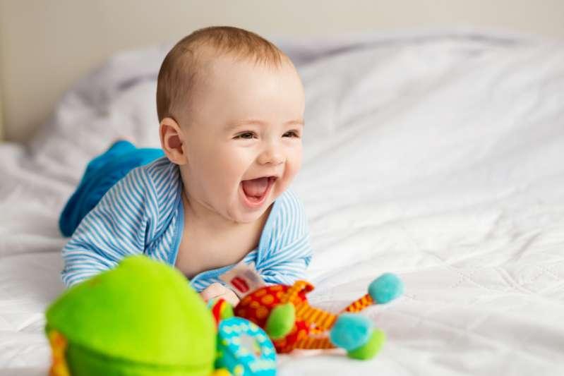 """""""Говорящий"""" язык жестов малыша: как родителям понять его"""