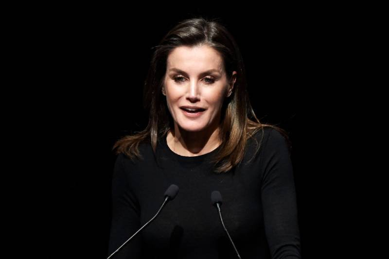 Accident Or Audacity? Queen Letizia Surprised With A Poor Choice Of UnderwearQueen Letizia of Spain attends the forum against cancer 'Por Un Enfoque Integral' at CaixaForum on February 04, 2019