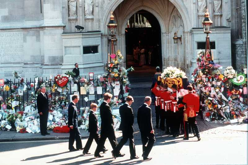 Another Mystery Of Lady Diana's Funeral: Why The Queen Forbade Saying The Princess' Name In Church