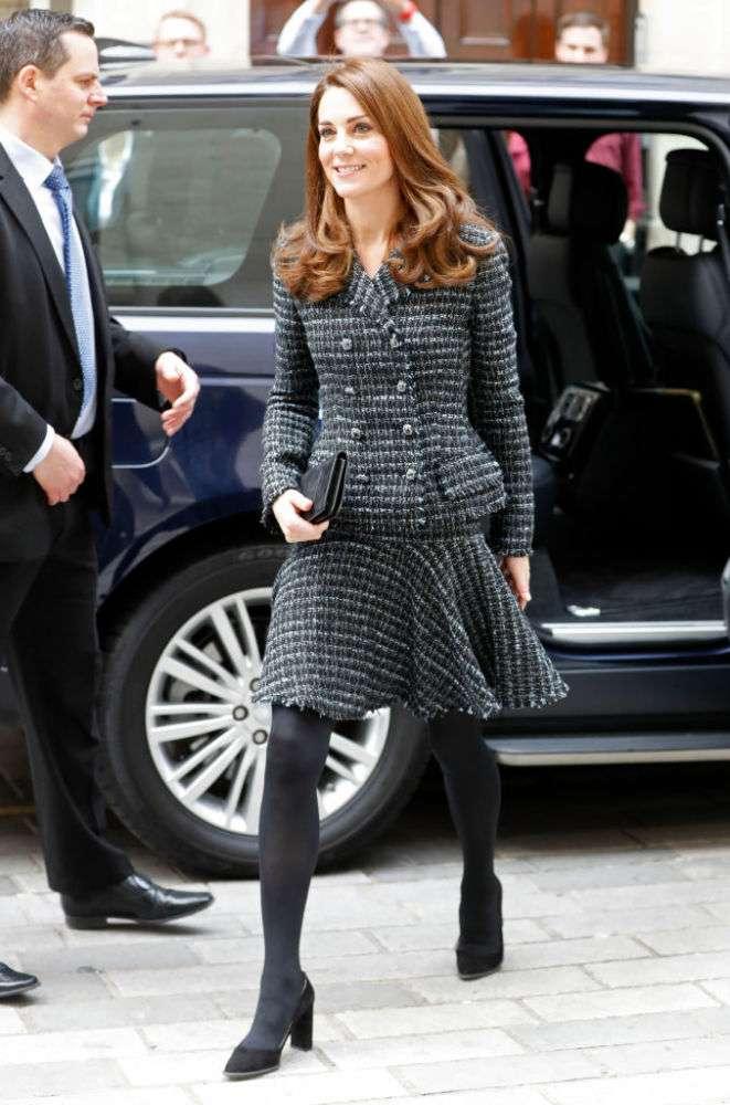 """Fans culpan a que Kate """"se viste como abuela"""" por los rumores de infidelidad del príncipe William-"""