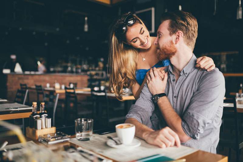 5 Skillful Flirting Tactics That Leave Men Defenseless