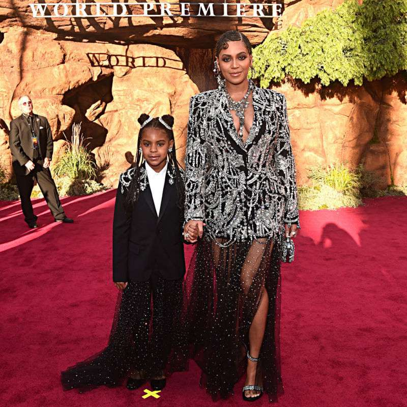 Beyoncé spotted the red carpet with her adorable daughter in dazzling and very similar clothesBeyoncé walked the red carpet with her adorable daughter in dazzling and very similar clothes