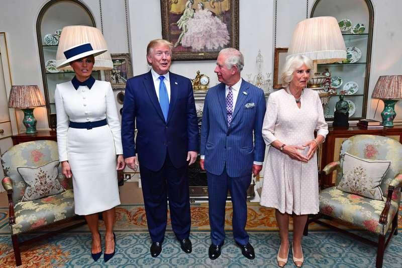 En medio de las polémicas La reina Isabel II recibió a Donald Trump en el Palacio de BuckinghamEn medio de las polémicas La reina Isabel II recibió a Donald Trump en el Palacio de BuckinghamEn medio de las polémicas La reina Isabel II recibió a Donald Trump en el Palacio de BuckinghamEn medio de las polémicas La reina Isabel II recibió a Donald Trump en el Palacio de BuckinghamEn medio de las polémicas La reina Isabel II recibió a Donald Trump en el Palacio de BuckinghamEn medio de las polémicas La reina Isabel II recibió a Donald Trump en el Palacio de BuckinghamEn medio de las polémicas La reina Isabel II recibió a Donald Trump en el Palacio de BuckinghamEn medio de las polémicas La reina Isabel II recibió a Donald Trump en el Palacio de Buckingham