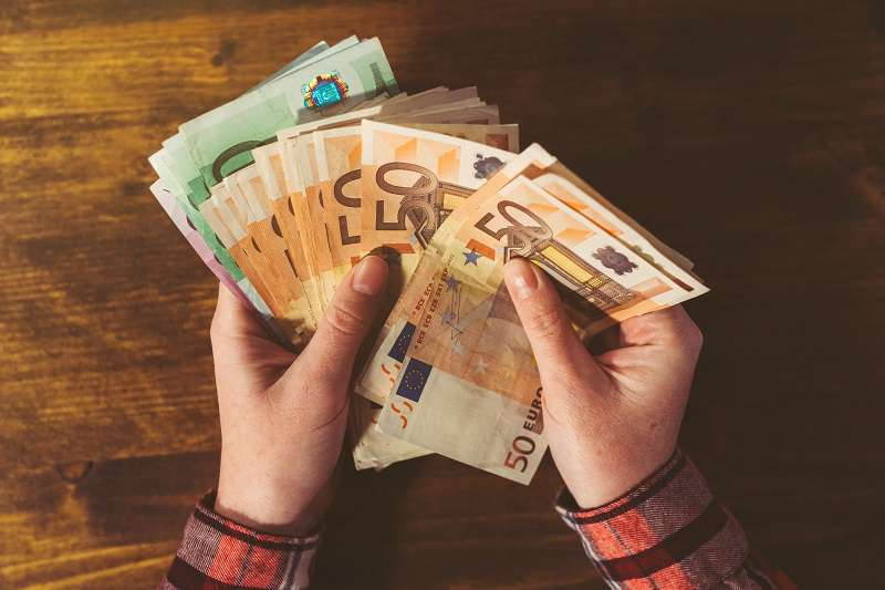 Coûteuses représailles : fâchée, elle laisse un pourboire de 5 000 $ avec la carte de crédit de son petit-amiCoûteuses représailles : fâchée, elle laisse un pourboire de 5 000 $ avec la carte de crédit de son petit-amiCoûteuses représailles : fâchée, elle laisse un pourboire de 5 000 $ avec la carte de crédit de son petit-amiCoûteuses représailles : fâchée, elle laisse un pourboire de 5 000 $ avec la carte de crédit de son petit-amiCoûteuses représailles : fâchée, elle laisse un pourboire de 5 000 $ avec la carte de crédit de son petit-amiCoûteuses représailles : fâchée, elle laisse un pourboire de 5 000 $ avec la carte de crédit de son petit-ami