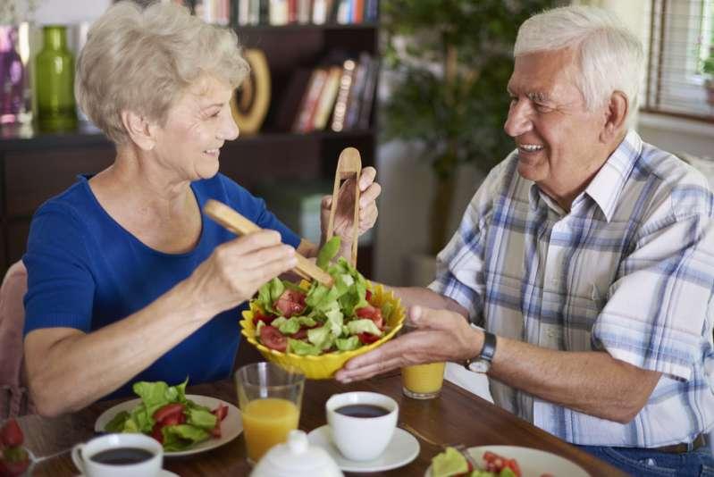 Zwei wichtige Handlungsweisen für eine schlanke Figur während der Menopause