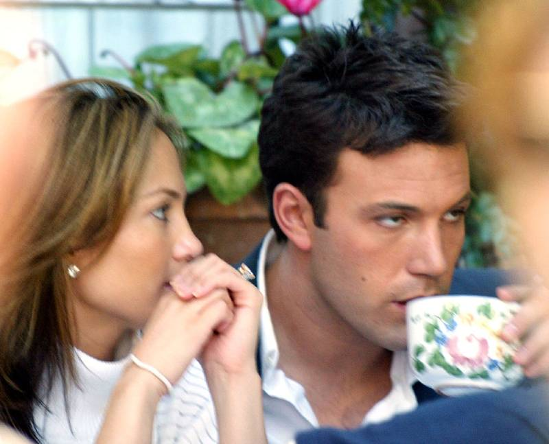 Why Jennifer Lopez And Ben Affleck Called Off Their Wedding Just A Few Days Before The CeremonyJennifer Lopez and fiance actor Ben Affleck dine at the Ivy Restaurant on March 28, 2003