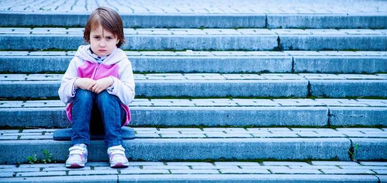 Une maman furieuse a fait marcher sa fille adolescente toute nue dans les rues en guise de punition