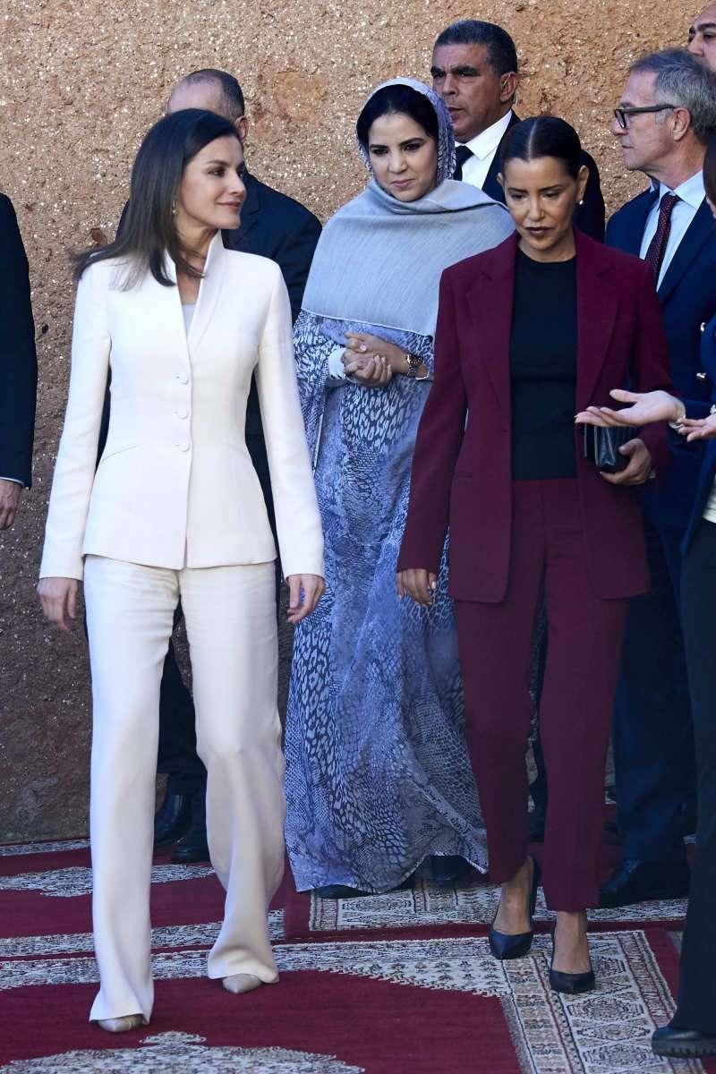 Letizia desempolvó el traje que usó en su compromiso hace 16 años y volvió a lucirlo en Marruecos