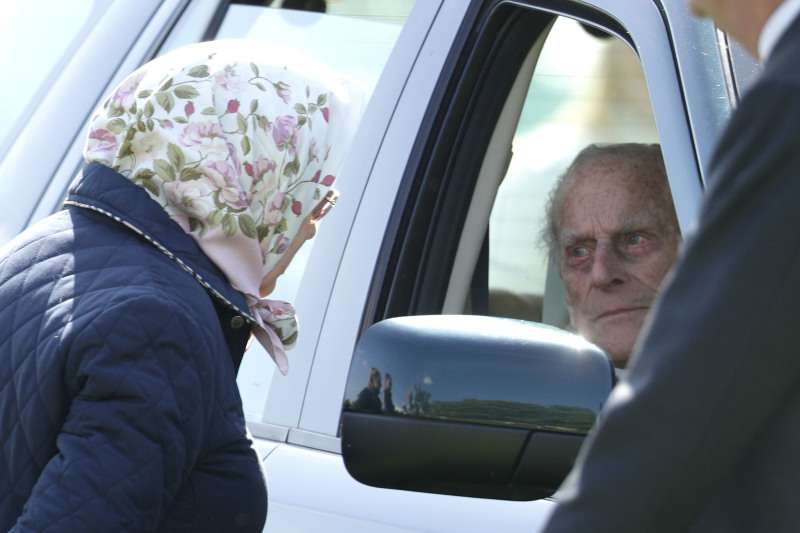 Queen Elizabeth II Was Spotted Driving Without A Seatbelt One Day After Prince Phillip's Car CrashQueen Elizabeth II Was Spotted Driving Without A Seatbelt One Day After Prince Phillip's Car CrashQueen Elizabeth II Was Spotted Driving Without A Seatbelt One Day After Prince Phillip's Car Crash