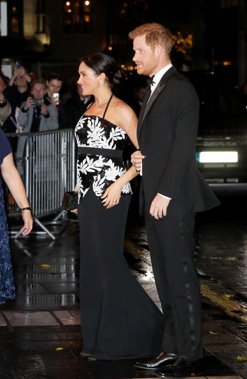 The Duke And Duchess Of Sussex Take People's Breath Away At The Royal Variety Performance With Their Mind-Blowing Fashion ChoicesThe Duke And Duchess Of Sussex Take People's Breath Away At The Royal Variety Performance With Their Mind-Blowing Fashion Choices