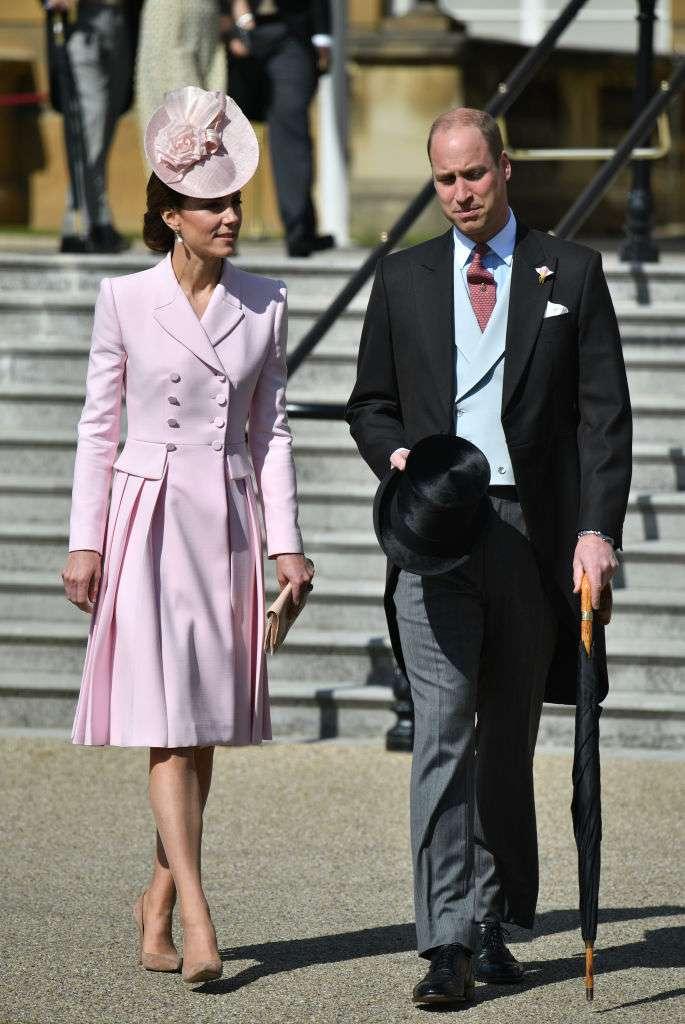 """""""Keine Scheidungen mehr, solange ich lebe"""": Queen Elizabeth warnte William über seine Ehe mit Kate Middleton"""