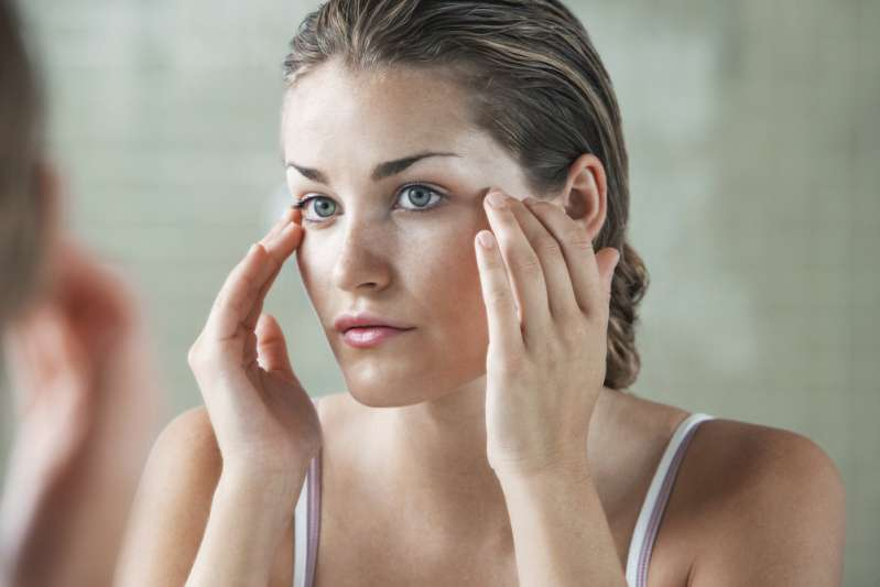 Chemical Peel 101: Main Types, Advantages, Disadvantages, And Possible Side Effects