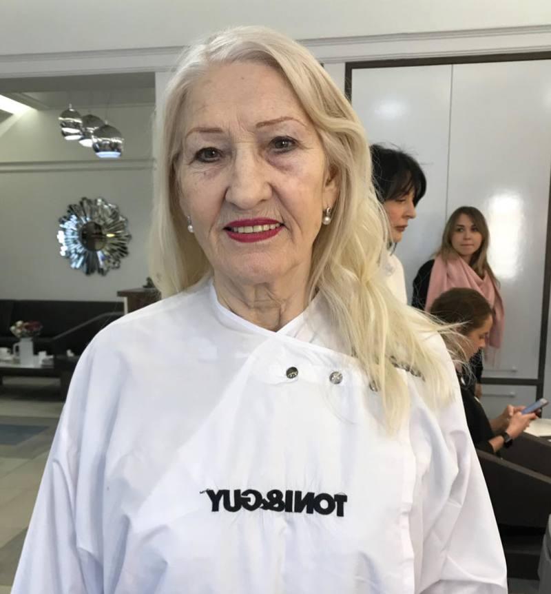 Из пенсионерки – в эффектную француженку! Стилисты преобразили 72-летнюю бабулю до неузнаваемости