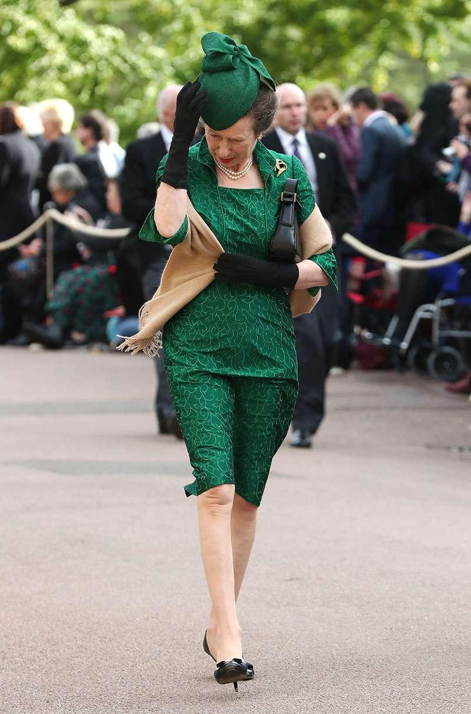 La tempête Callum s'est invitée au mariage de la Princesse Eugénie : les jupes de ces dames ont volé !