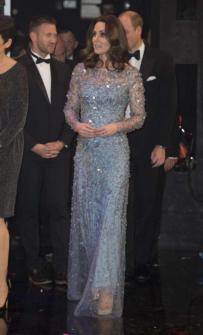 Vous souvenez-vous de cette robe controversée que Kate Middleton a porté lors d'une cérémonie de remise de prix ?kate middleton dress
