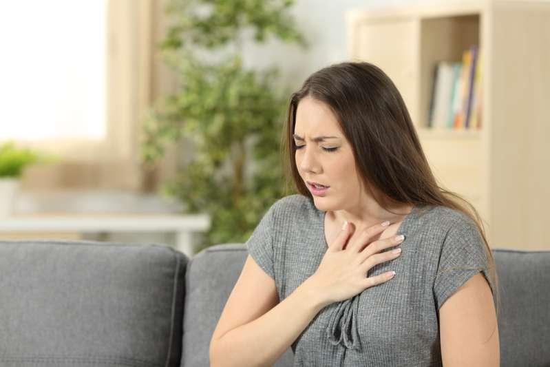 Frau verlor ihre Stimme für 12 Jahre, nachdem sie versehentlich eine Münze verschluckt hatte