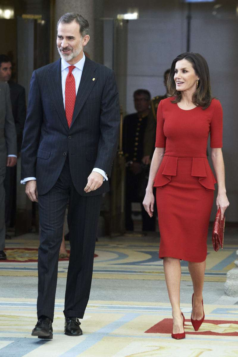 I Want To Wear Red! Valentine's Day Outfits À La Meghan Markle And Queen Letizia