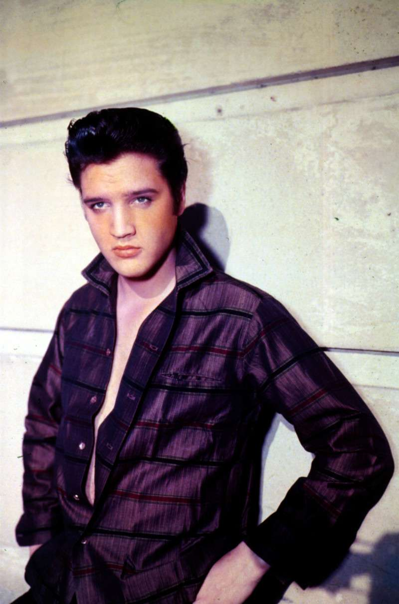 Creep? Elvis Presley Was A Controlling Husband Who Only Saw Priscilla When She Had Makeup On!Creep? Elvis Presley Was A Controlling Husband Who Only Saw Priscilla When She Had Makeup On!