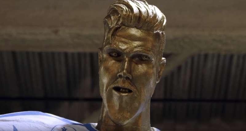 Ronaldo Got Off Easy! David Beckham Was Pranked With A Grotesque Statue