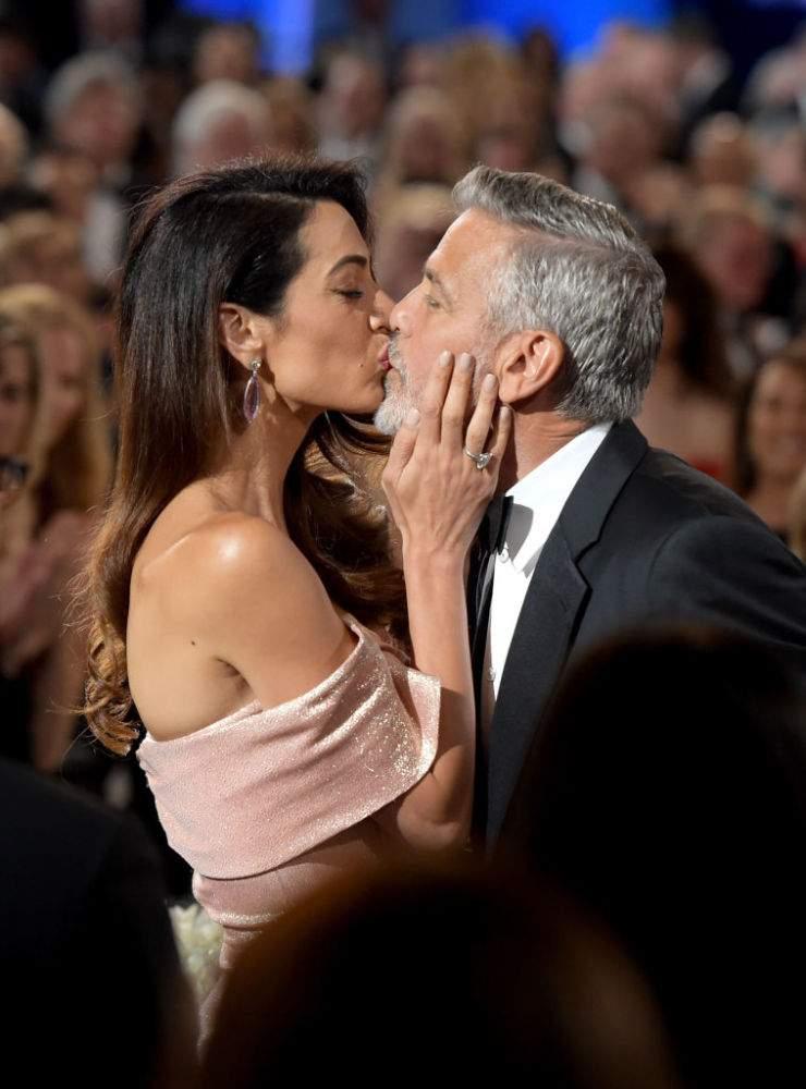 George Clooney nunca ha negado que le gusten los hombres, no importa que su esposa sea la despampanante Amal